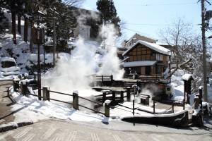 快晴、冬の野沢温泉