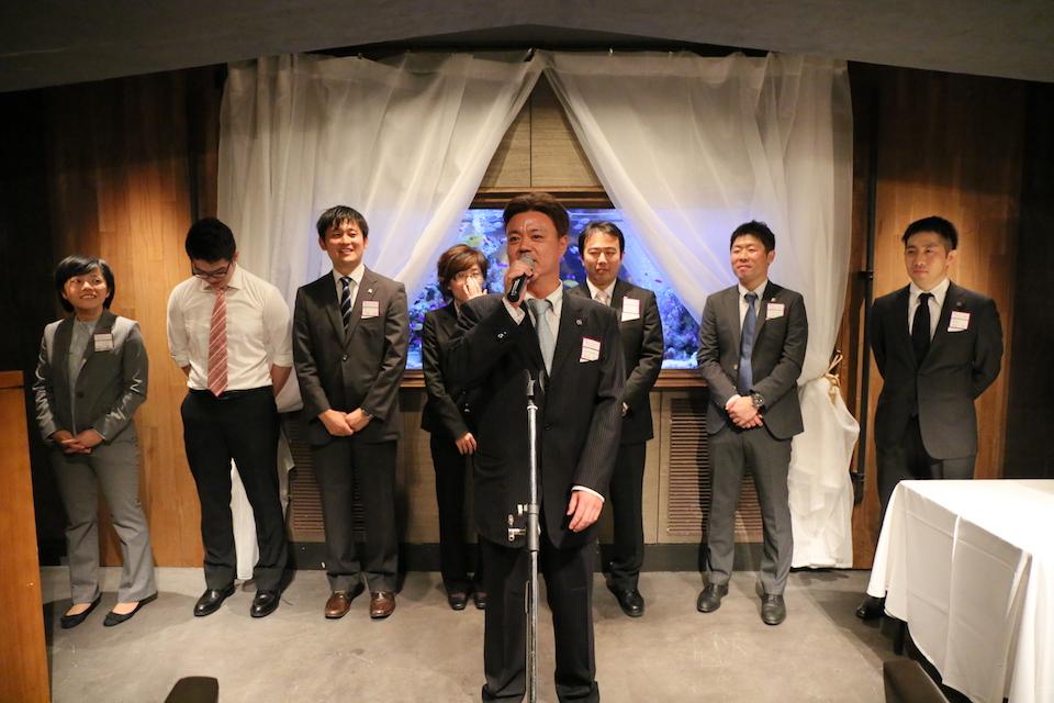 創部90周年記念事業実行委員会 中央は向山武夫実行委員長