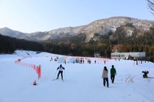 クロスカントリースプリントは長野県野沢温泉スキー場オリンピックスポーツパークで行われた