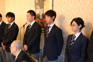 新人部員は4名。左から金春飛翔(1)、三輪絋暉(2)、市川健太(1)、向真由子(1)。