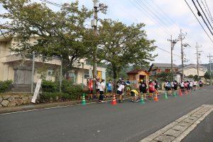 距離競技は宮津市立日置小学校前からスタート。